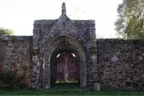 Domaine de Keravel - porte du potager provenant du prieuré des Fontaines en Plouagat