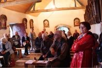 Le groupe dans la chapelle de la Trinité