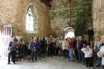 Le groupe dans la chapelle de Kerfons